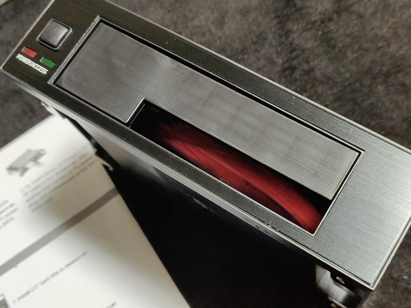 2.5/3.5インチ SATAハードディスク フロントマウンタを購入